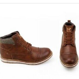 Holding XRay Men's Lace Up Kimball Boots in TaN